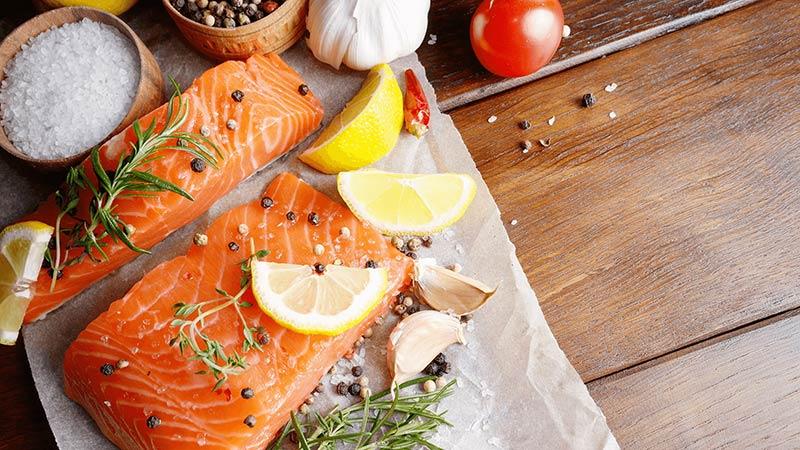 مزایای و خرید ماهی آمور تازه