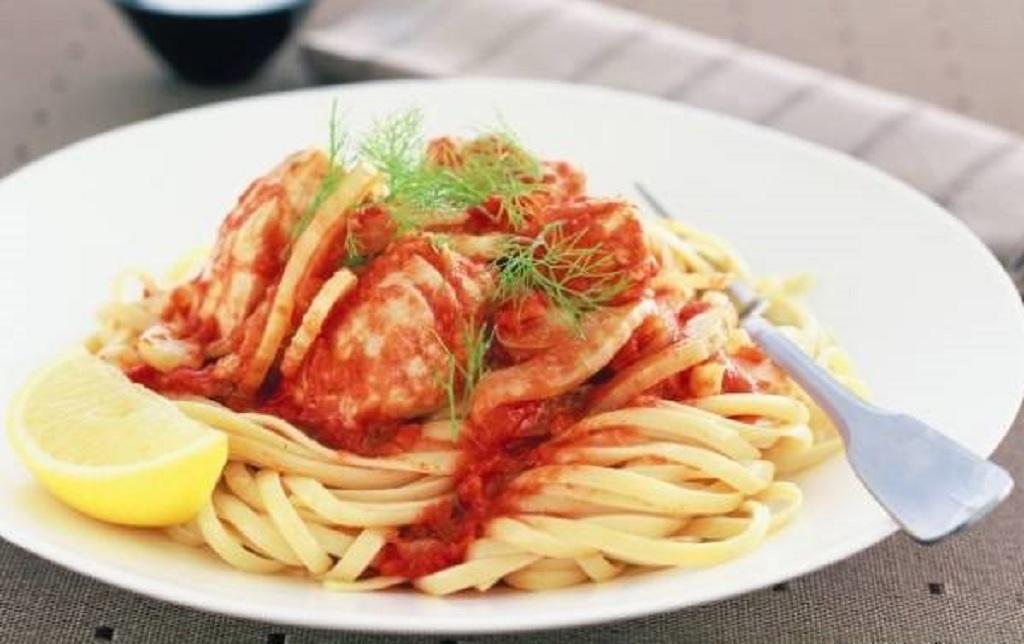 اسپاگتی با ماهی