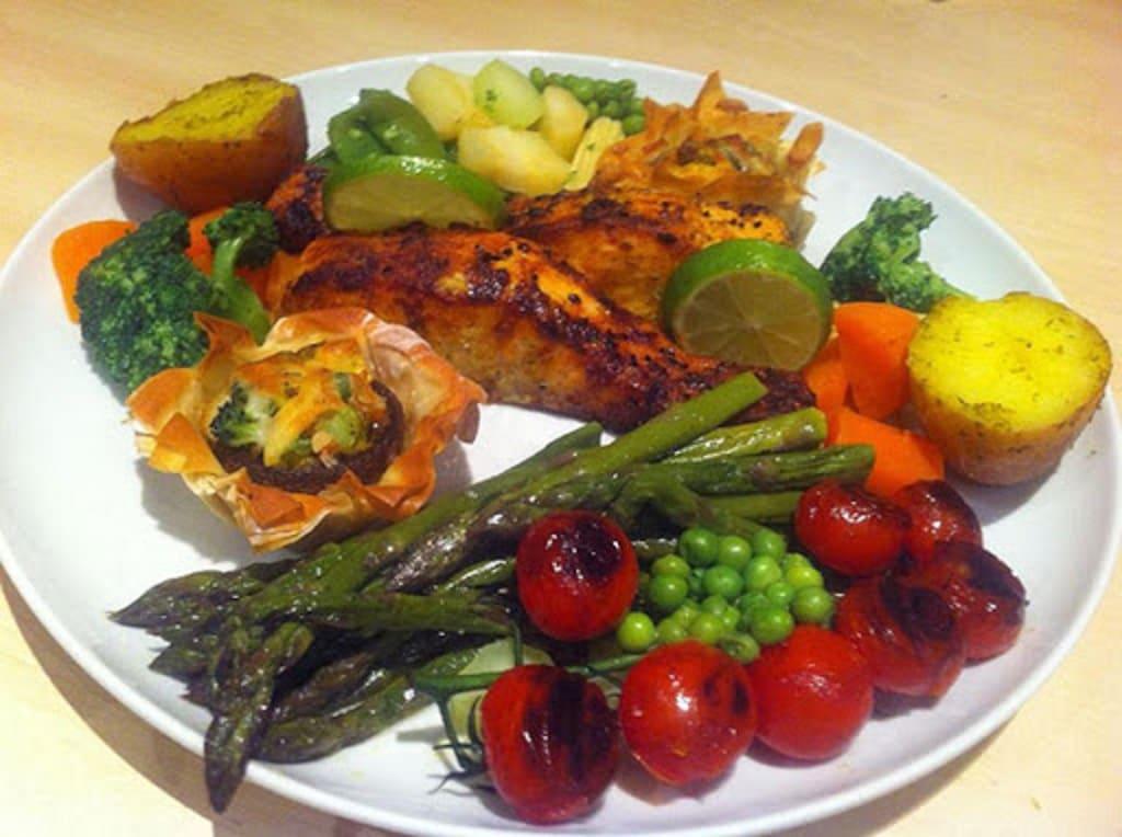 ماهی و سبزیجات