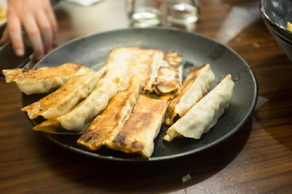 شنیسل خرچنگ و پیراشکی ماهی