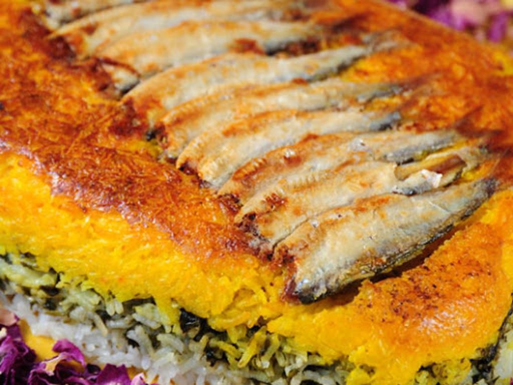 سبزی پلو با ماهی کیلکا